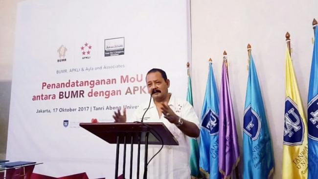 Pemimpin Besar Revolusi Kaki Lima Indonesia DOKTER ALI, Ketua Umum DPP APKLI 2017-2022.